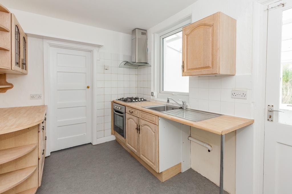 882 Kitchen.jpg