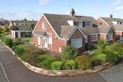 3 bedroom semi-detached bungalow for sale - Bernard Grove, Meir Heath, ST3 7NZ
