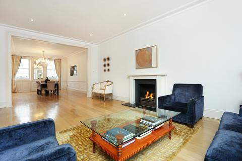 4 bedroom flat for sale - Eaton Place, London. SW1X