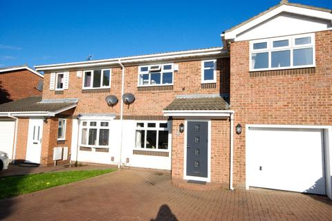 4 bedroom semi-detached house for sale - Shalcombe Close, Broadway Grange