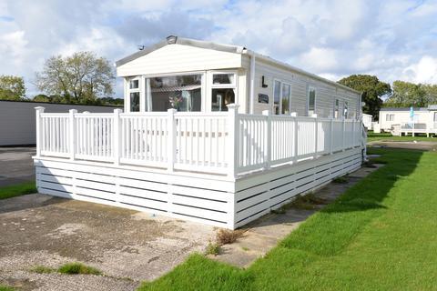2 bedroom property for sale - Hoburne Bashley , Sway Road