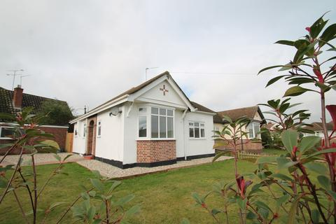 2 bedroom detached bungalow to rent - Burnside Crescent, Chelmsford