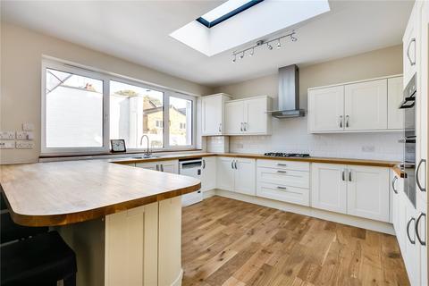 3 bedroom bungalow to rent - Vale Grove, London