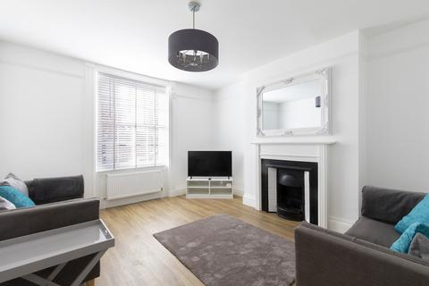 Property to rent - Clarence Street, Cheltenham GL50 3LB