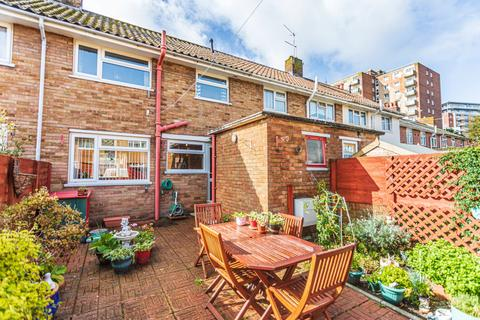 2 bedroom semi-detached house for sale - Drake Road, Poole, BH15