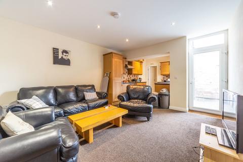 3 bedroom ground floor flat to rent - Myrtle Grove, Jesmond, Newcastle Upon Tyne