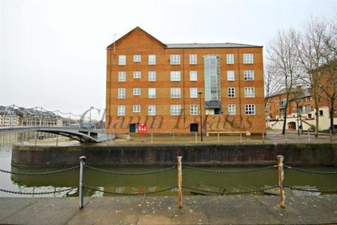 1 bedroom apartment to rent - Aland Court SE16