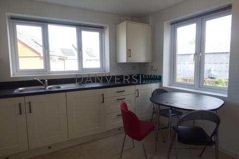3 bedroom townhouse to rent - Watkin Road, Leicester