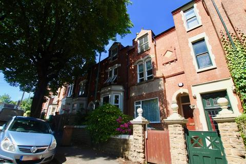 5 bedroom end of terrace house to rent - Bowers Avenue, Nottingham