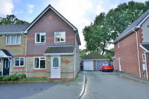 3 bedroom end of terrace house for sale - Hainault Drive, Verwood