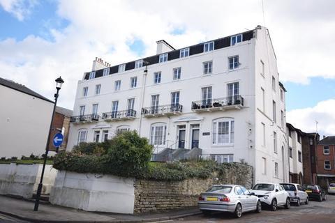 1 bedroom flat to rent - Lind Court, 19-22 Lind Street, Ryde