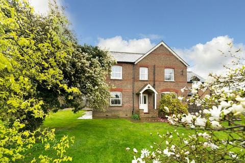 4 bedroom character property to rent - Manor Farm, Caddington