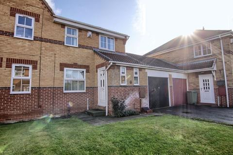 3 bedroom terraced house for sale - Petworth Crescent, Ingleby Barwick