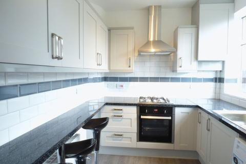 3 bedroom semi-detached house to rent - Gainford Road, Stockport
