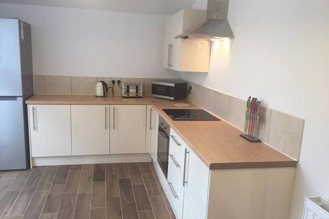 5 bedroom terraced house to rent - Bacheler Street, Hull