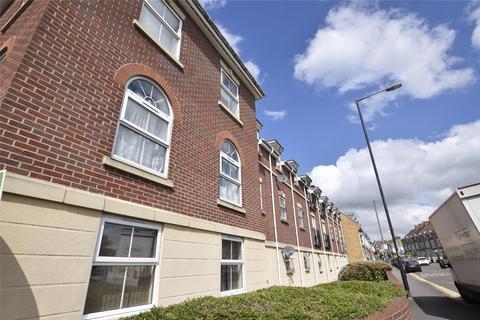 2 bedroom flat to rent - Britton Gardens, BRISTOL, BS15