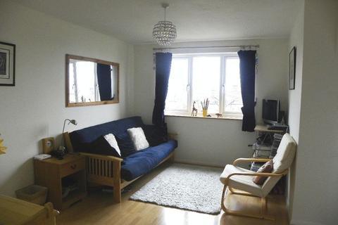 1 bedroom flat to rent - Waddington Close, Burleigh Road