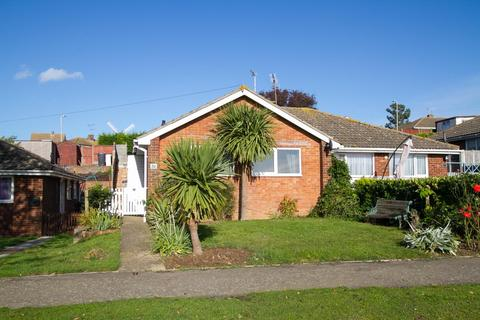 2 bedroom semi-detached bungalow for sale - Woodrow Chase, Herne Bay