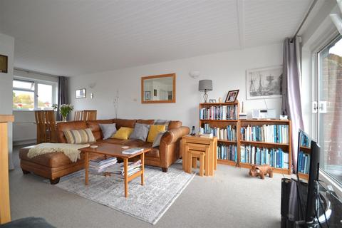 3 bedroom end of terrace house for sale - High Street, Burnham-On-Crouch