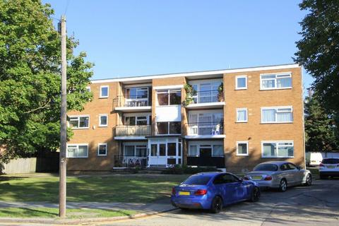 2 bedroom flat to rent - 33 Chaseville Park Road, London, N21