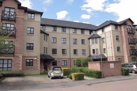 3 bedroom flat to rent - RUSSELL GARDENS, ROSEBURN, EH12 5PP**