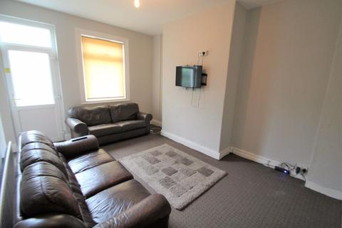 5 bedroom terraced house to rent - Stanmore Street, Burley Park, LS4 2RS