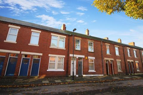 3 bedroom flat to rent - Rosebery Avenue, North Shields