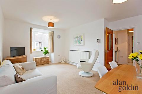 1 bedroom flat for sale - Birnbeck Court Finchley Road NW11