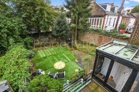 3 bedroom semi-detached house for sale - Village Close, Hampstead