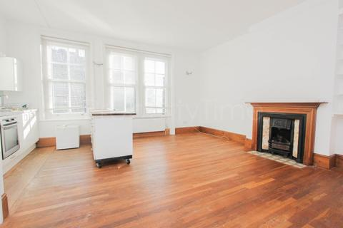 2 bedroom flat for sale - Haslemere Road, Crouch End