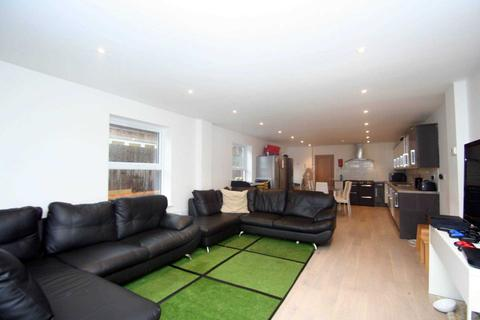 10 bedroom terraced house to rent - Bartlemas Road, East Oxford