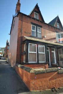 7 bedroom terraced house to rent - Manor Drive, Hyde Park, Leeds LS6 1DE