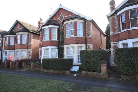 6 bedroom semi-detached house to rent - Palmer Park Avenue, Reading