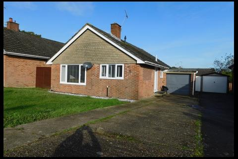 2 bedroom detached bungalow for sale - The Mead, Hythe, Southampton SO45