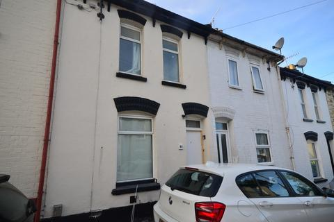 2 bedroom terraced house to rent - Melbourne Road Chatham ME4