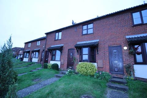 2 bedroom terraced house to rent - Hollow Rise, High Wycombe, Bucks, HP13 5NU