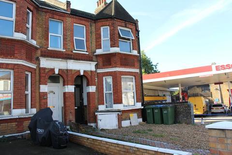3 bedroom flat to rent - Plumstead Common Road, London