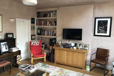 1 bedroom house share to rent - Westway Close , Raynes Park , London SW20