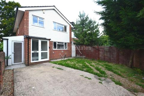 6 bedroom detached house to rent - Wokingham Road, Reading