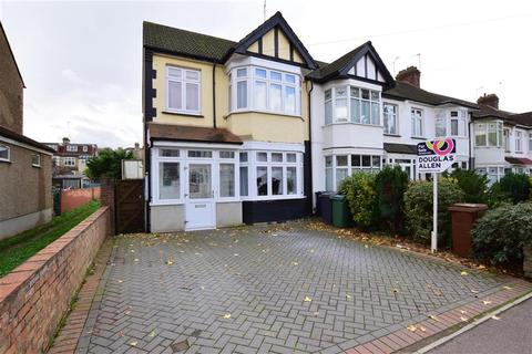 3 bedroom end of terrace house for sale - Normanshire Drive, Chingford
