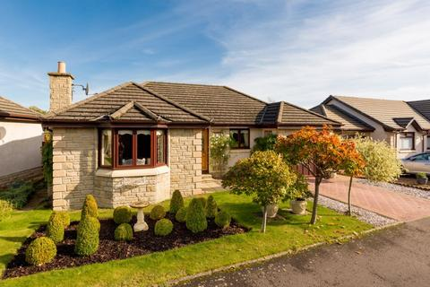 3 bedroom detached bungalow for sale - 13 Eskfield Grove, Eskbank, EH22 3FA
