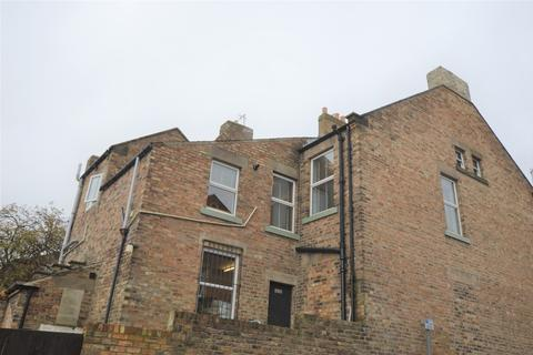 2 bedroom apartment to rent - Front St, Prudhoe