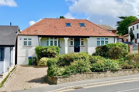 4 bedroom detached bungalow for sale - Parkhill Road, Bexley Village