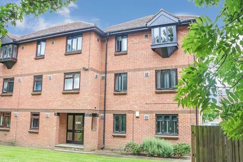 1 bedroom flat for sale - Vicarage Way - Colnbrook