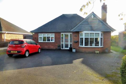 2 bedroom detached bungalow to rent - Clewlows Bank, Bagnall