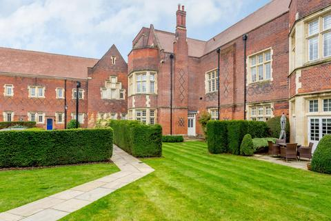 3 bedroom apartment for sale - Brunswick Court, The Galleries, Brentwood