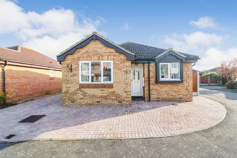 2 bedroom detached bungalow for sale - Wick Farm Road, St. Lawrence