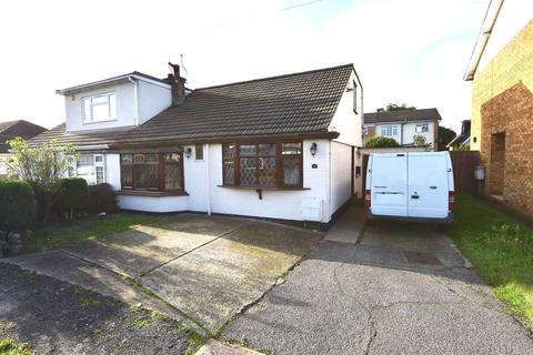 3 bedroom chalet for sale - Palmerstone Road, Canvey Island
