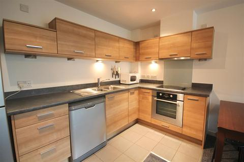 2 bedroom flat to rent - Marlborough House, Admiralty Road, Portsmouth