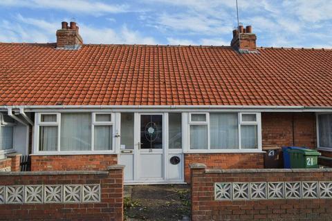 2 bedroom bungalow for sale - Stanley Avenue, Hornsea